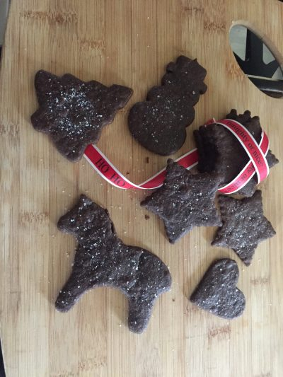 Our homemade molasses cutout cookies are the best way to make sure your horse doesn't feel left out this year. Check out the horse-friendly recipe at Insightful Equine.